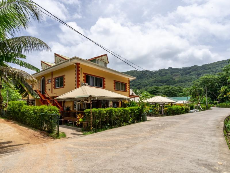 SEY LaDigue GH Zerof Guesthouse 00001